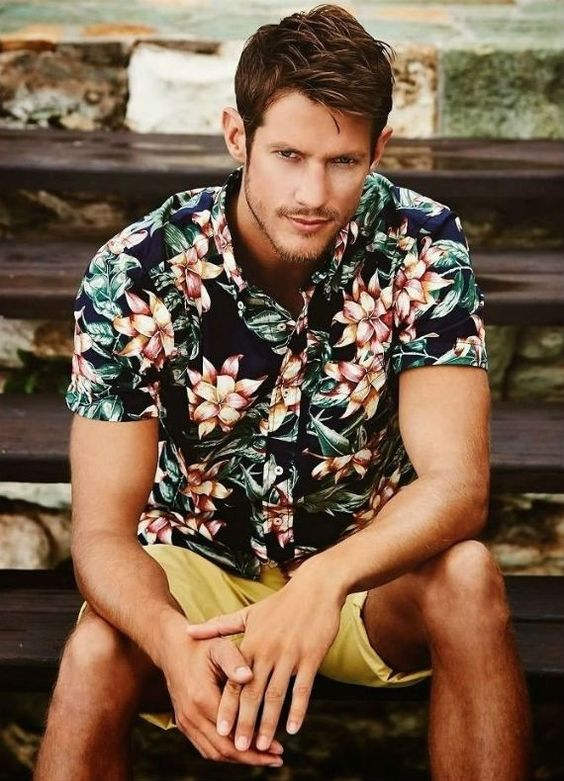 camisa-masculina-resort-estampas-florais-bermuda-caqui