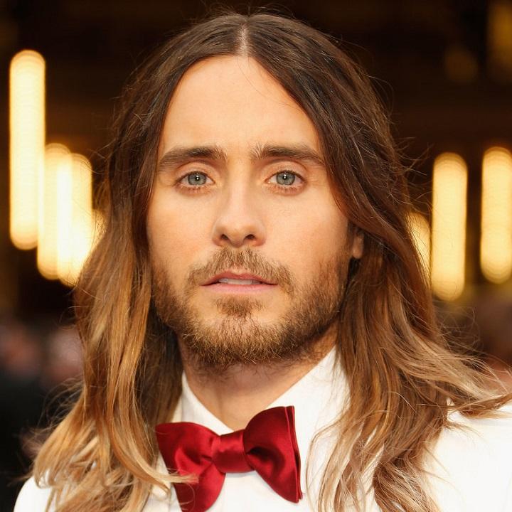 cabelo comprido com barba