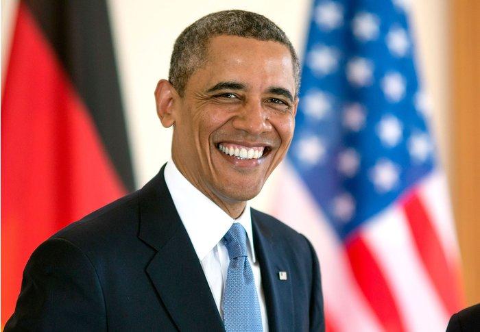 Barack Obama cabelo curto natural